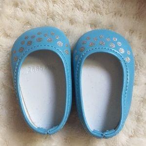 Shoes - flats